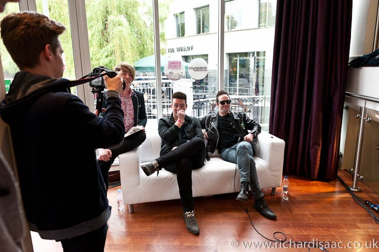 Rab Allan and James Allan from Glasvegas being interviewed by Myspace
