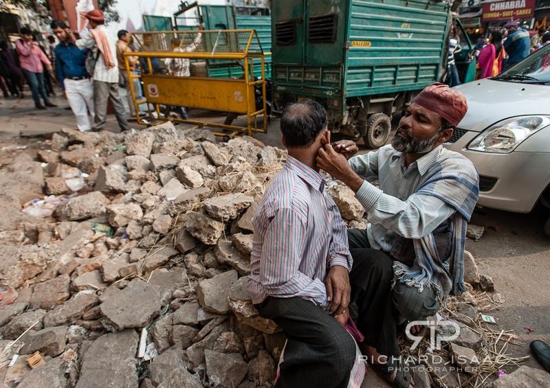 Entrepreneurialism in Delhi - a professional ear cleaner - 13/11/12