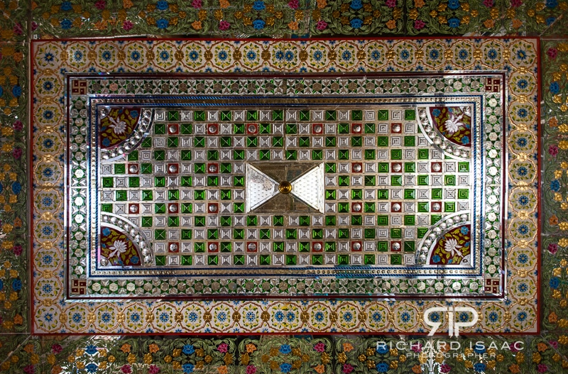 An impressively ornate celing Inside Patwon-ki-Haveli