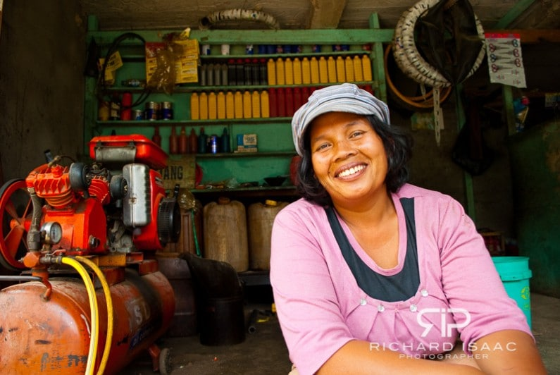 The only female mechanic on Danau Toba - Sumatra, Indonesia