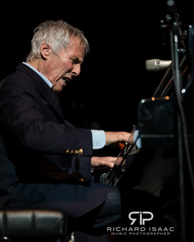 wpid-07-07-2013_Burt_Bacharach_gig_Royal_Festival_Hall_010.jpg