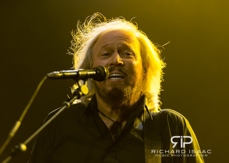 wpid-03-10-2013_Barry_Gibb_concert_The_O2_Arena_012.jpg