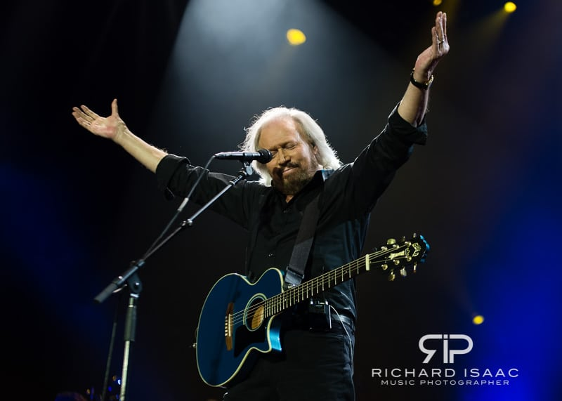 wpid-03-10-2013_Barry_Gibb_concert_The_O2_Arena_014.jpg