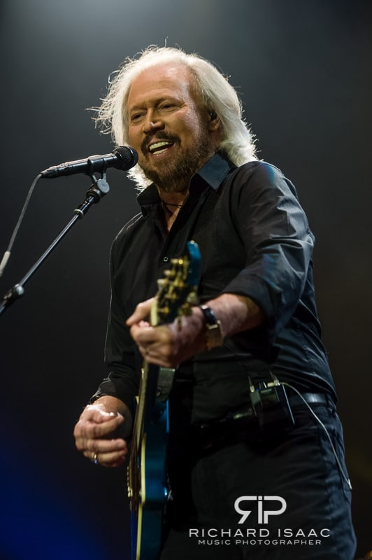 wpid-03-10-2013_Barry_Gibb_concert_The_O2_Arena_021.jpg