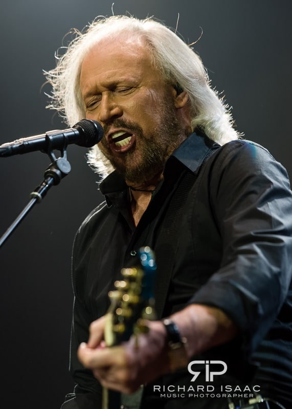 wpid-03-10-2013_Barry_Gibb_concert_The_O2_Arena_023.jpg