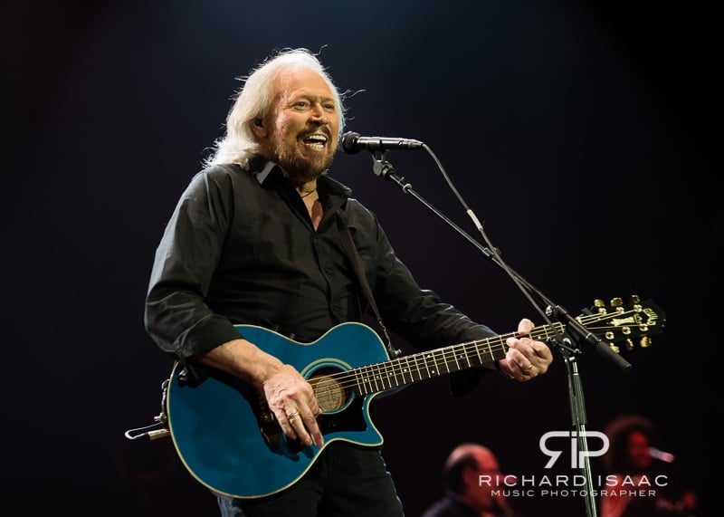 wpid-03-10-2013_Barry_Gibb_concert_The_O2_Arena_025.jpg