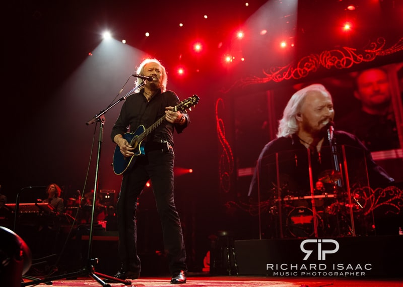 wpid-03-10-2013_Barry_Gibb_concert_The_O2_Arena_031.jpg