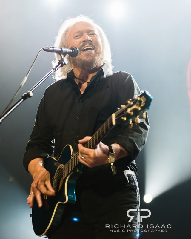wpid-03-10-2013_Barry_Gibb_concert_The_O2_Arena_032.jpg