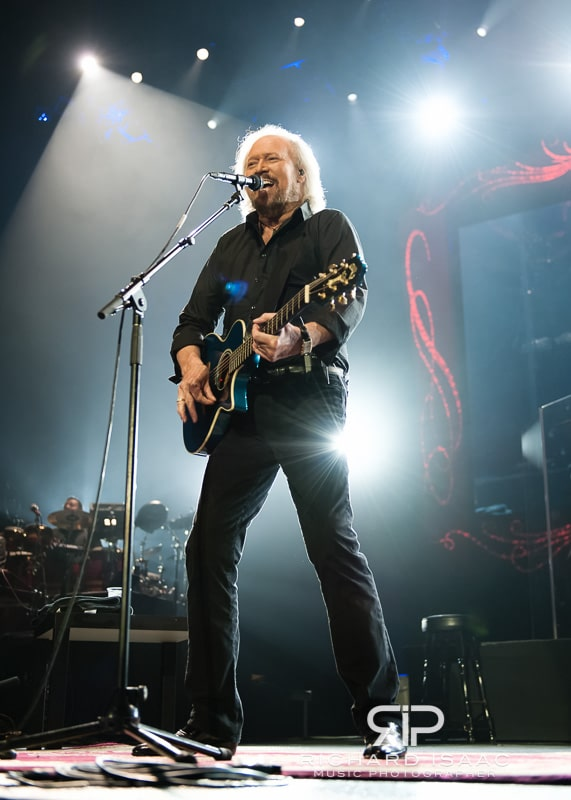 wpid-03-10-2013_Barry_Gibb_concert_The_O2_Arena_034.jpg