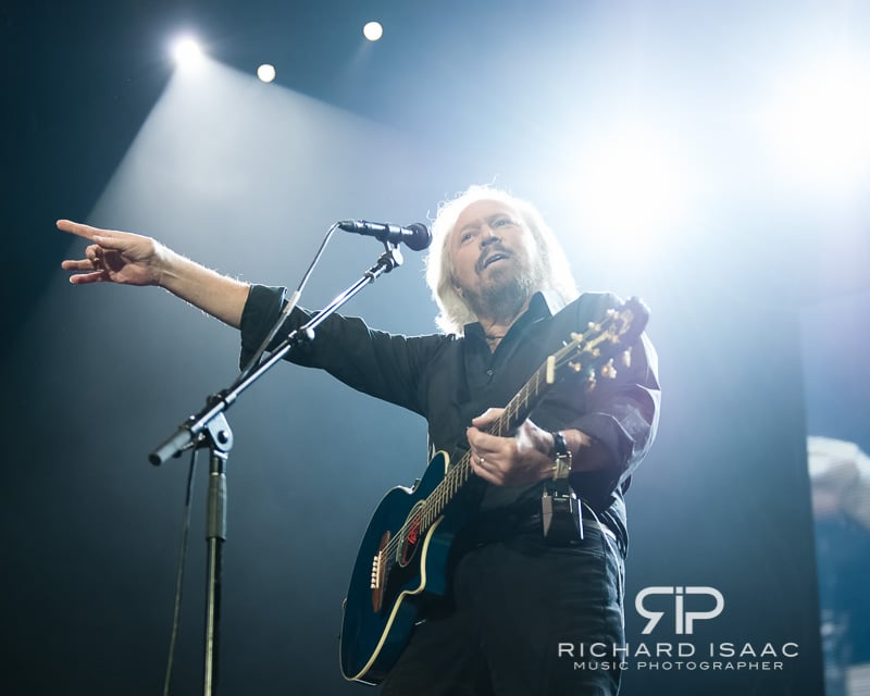 wpid-03-10-2013_Barry_Gibb_concert_The_O2_Arena_036.jpg