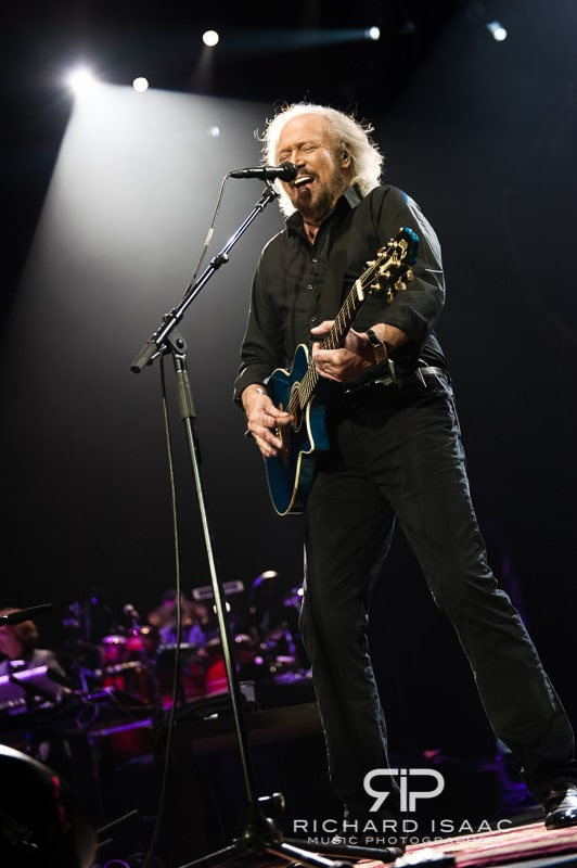 wpid-03-10-2013_Barry_Gibb_concert_The_O2_Arena_045.jpg