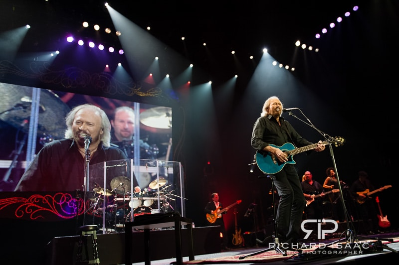 wpid-03-10-2013_Barry_Gibb_concert_The_O2_Arena_050.jpg