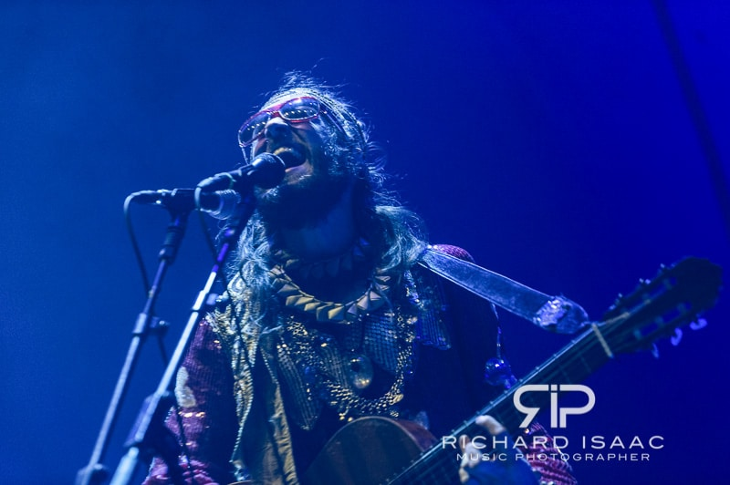 wpid-13-12-2013_Crystal_Fighters_gig_O2_Arena_010.jpg