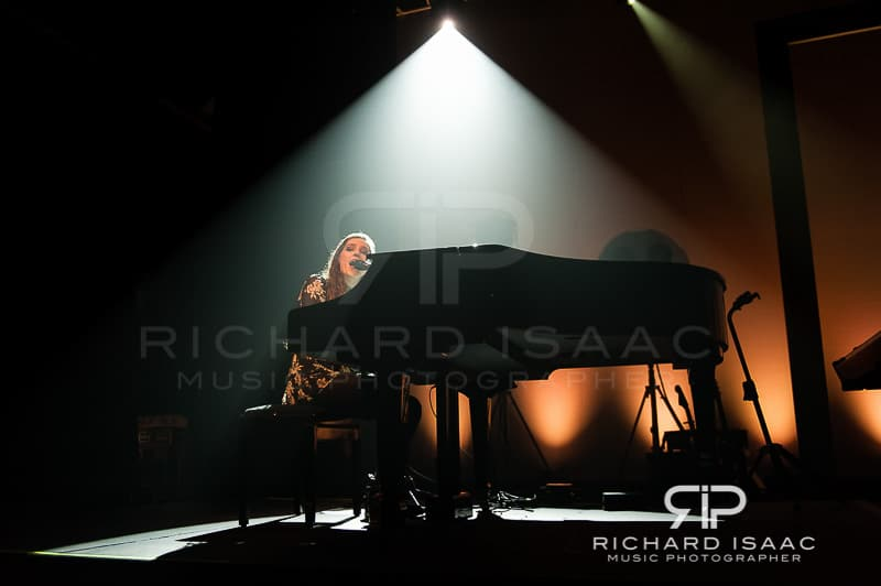 wpid-04-03-2014_Birdy_concert_The_Forum_011.jpg