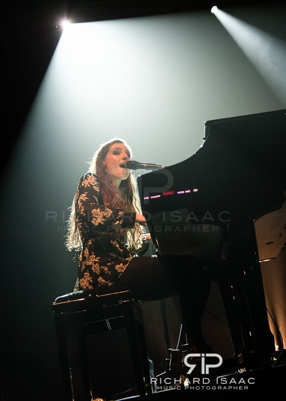 wpid-04-03-2014_Birdy_concert_The_Forum_012.jpg