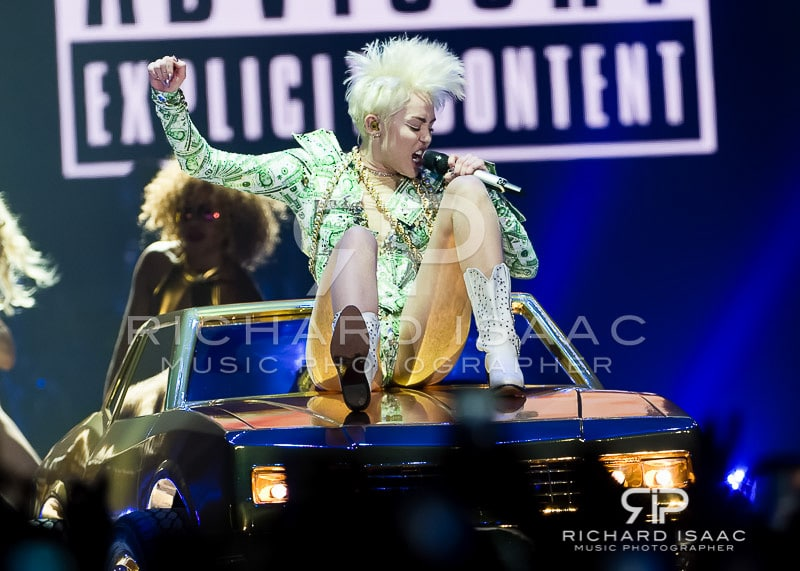 wpid-06-05-2014_Miley_Cyrus_concert_The_O2_Arena_034.jpg