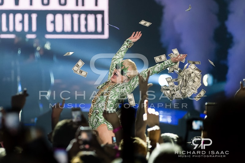 wpid-06-05-2014_Miley_Cyrus_concert_The_O2_Arena_073.jpg