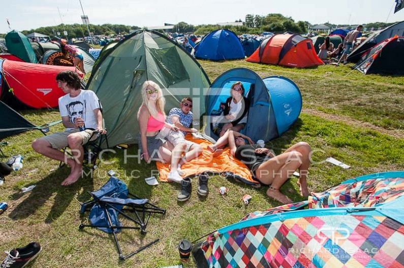 wpid-13-06-2014_Isle_of_Wight_festival_Friday_atmosphere_014.jpg
