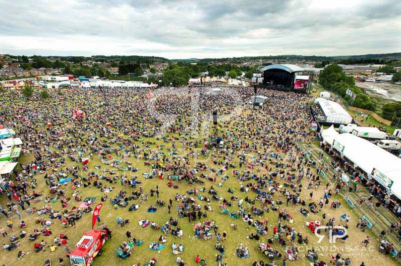 wpid-15-06-2014_IOW_Fest_2014_atmosphere_birds_eye_003.jpg