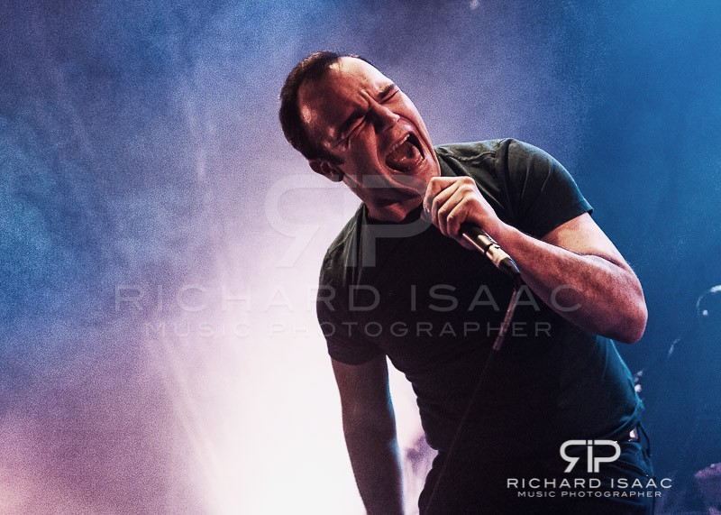 wpid-20150330_Future_Islands_Roundhouse_005.jpg