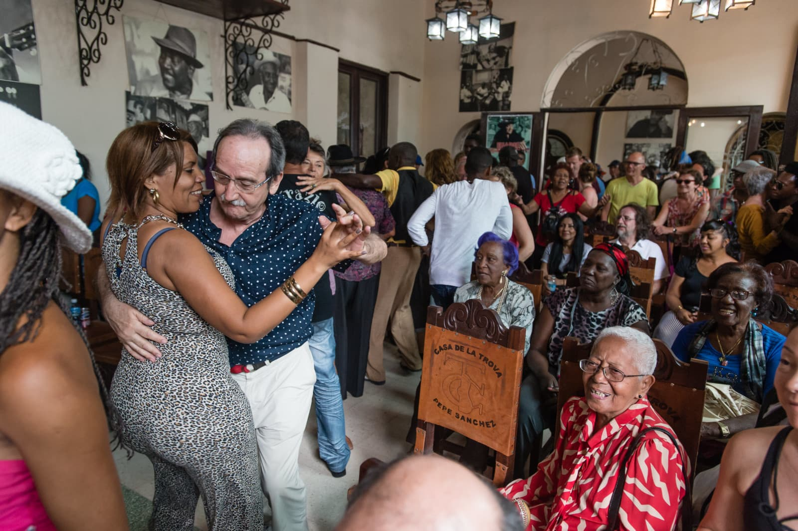 people-dancing-santiago-de-cuba-london-freelance-photographer-richard-isaac-3200